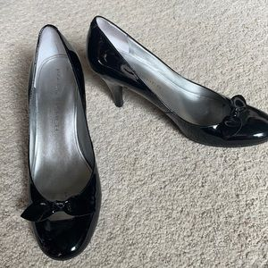Marc Fisher black patent leather bow pumps 9.5M